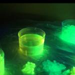 Hacer bolas e hidrogel fluorescente